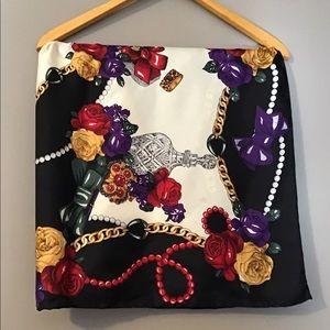 ❤️ Vintage Floral Baroque Pattern scarf